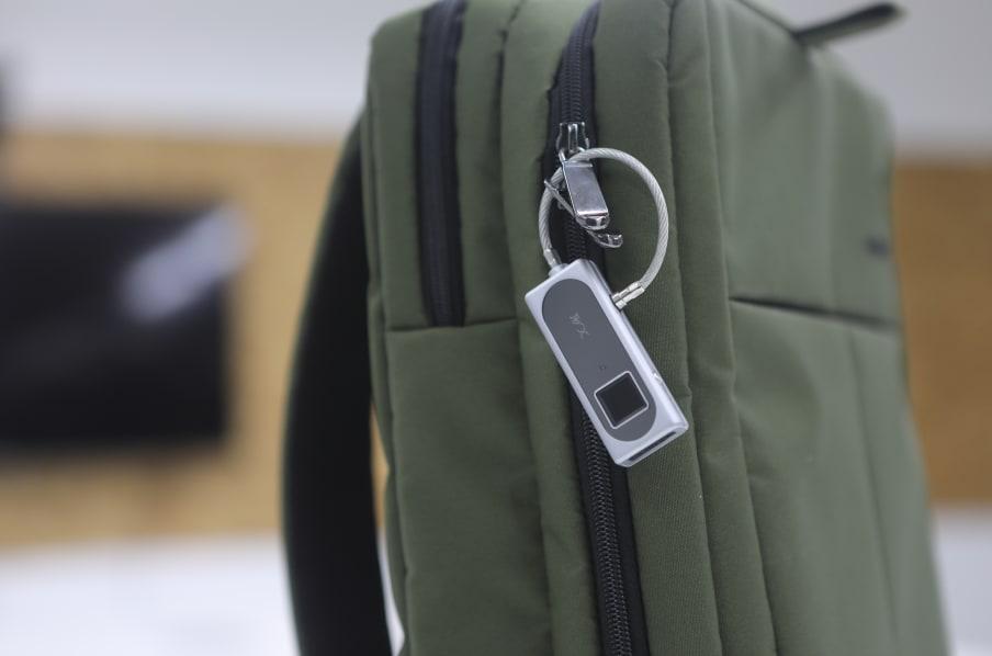 Deyuanxiang Fingerprint Padlock: Ổ khóa vân tay kèm hệ thống SOS đặc biệt đến từ Indiegogo